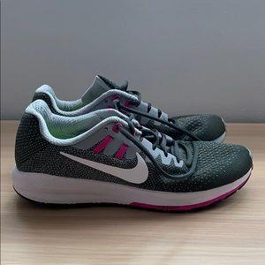 🤍💖Dynamic Fit Nike's💖🤍
